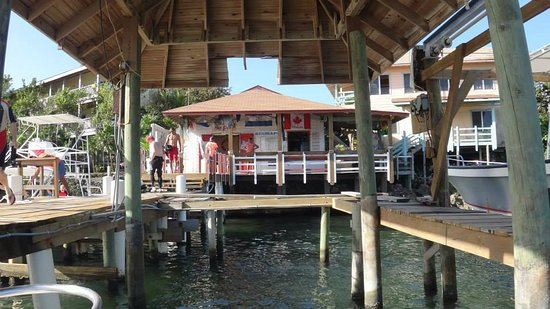 Seagrape Plantation Resort: View of the dive shop!
