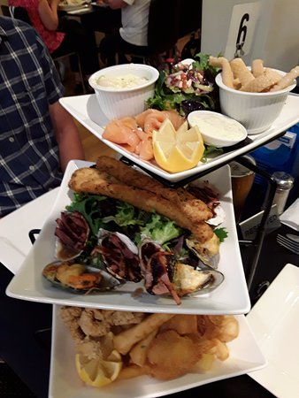 George Town, Австралия: Seafood tower for 2