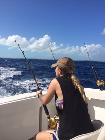 Turtle Cove, Providenciales: My Daughter reeling in her catch