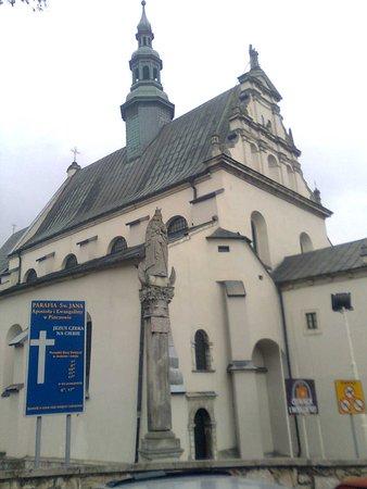 Pinczow, Poland: Kościół Jana Ewangelisty