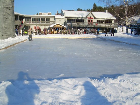 Barrie, Canada: Crap Ice rink, that wasn't open
