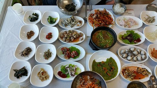 Suncheon, South Korea: 특정식과 꼬막정식