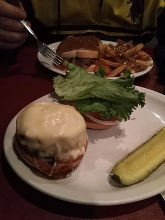 Boyertown, Πενσυλβάνια: Burger and roast beef