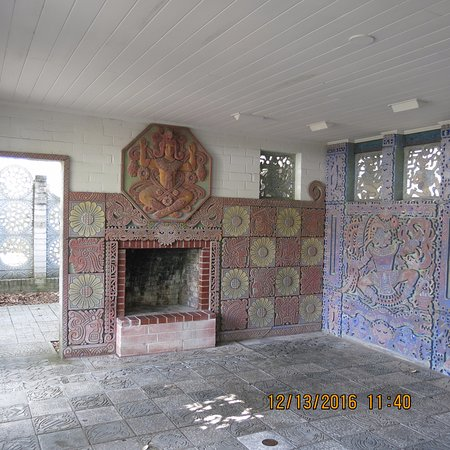 Maitland, FL: Murals and relief sculptures adjacent to the Chapel