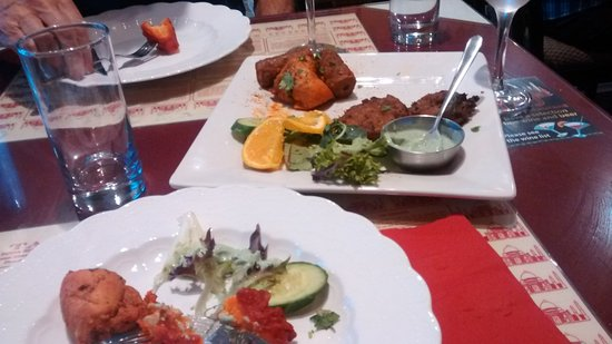 Taj Indian Restaurant: light dinner for us at Taj