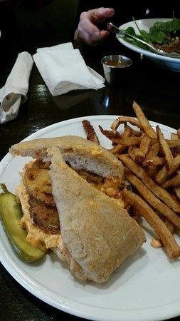 Madison, GA: Pin/Tom Sandwich: pimento & fried green tomato w/fries