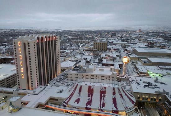 Circus Circus Hotel and Casino-Reno: A snowy day as seen from room 2560
