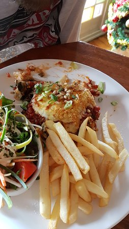 Alexandra Hotel: Vegetarian cannelloni with chips - $21.