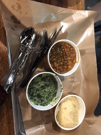 Hilliard, Ohio: beans, spinach, 'taters sides