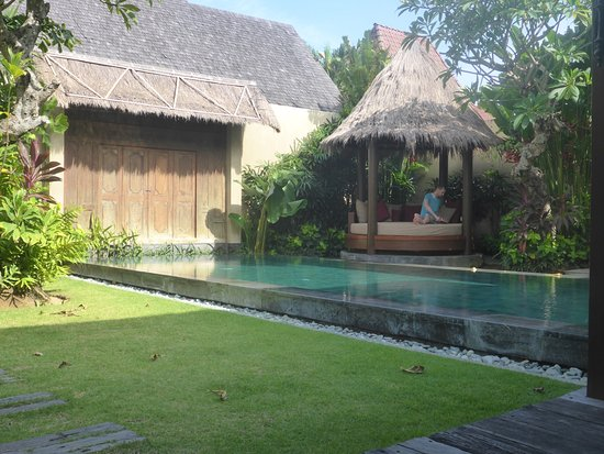 Space at Bali: Private pool,garden and cabana.