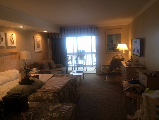 Oceanfront Litchfield Inn: Room 202