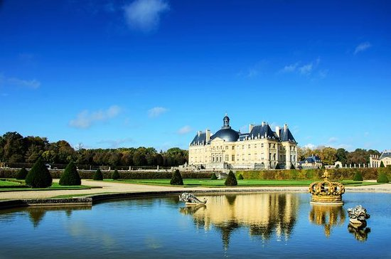 Chateau de Vaux-le-Vicomte Tour with...