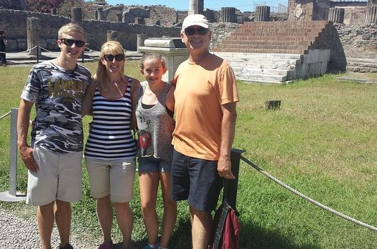 Pompeii Tour For Children and their...