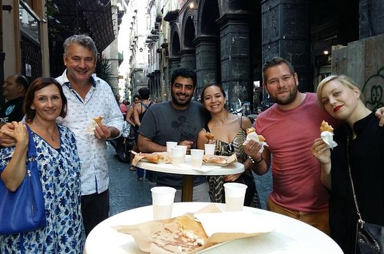 Naples Street Food and Sightseeing...