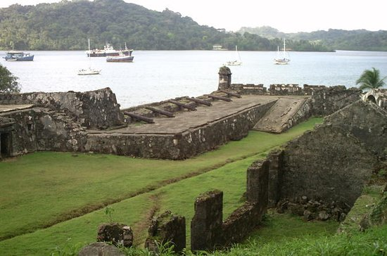 Day Trip from Panama City: Colon...