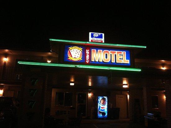 Four Sevens Motel Photo