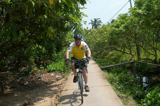 Mekong Delta Cycling Trip Including Cai...
