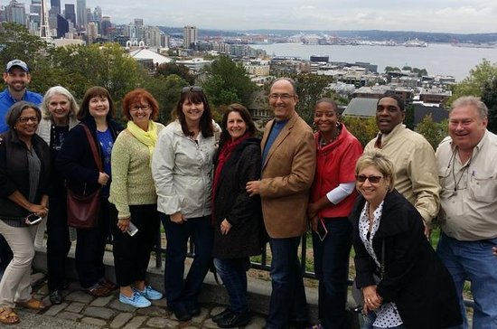 Seattle City 2-Hour Bus Tour with Space Needle, Safeco Fields