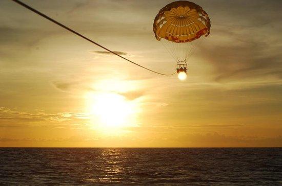 Parasailing Erfahrung in Sansibar...