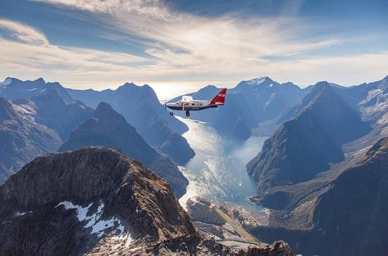 Milford Sound Tour with Flight, Cruise and Jet Boat Adventure from...