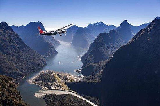 Milford Sound para voo panorâmico de...