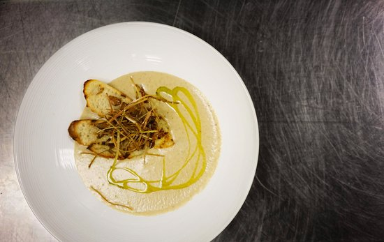 Fraser, CO: WILD MUSHROOM BISQUE crispy leeks | grilled baguette | chive oil