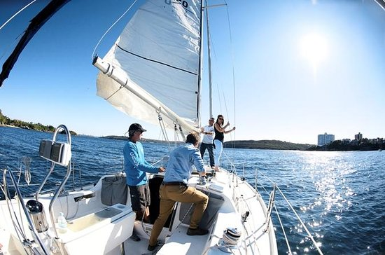 3-Hour Sydney Harbour Sailing Experience from Manly