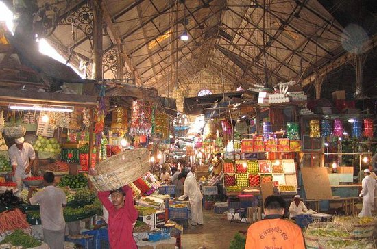 Mumbai Market Private Shopping Tour