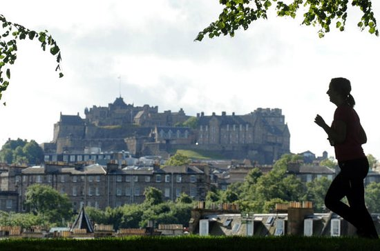 Edinburgh Marathon Festival Running Tour