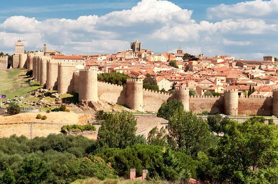 Avila and Segovia Guided Tour with ...