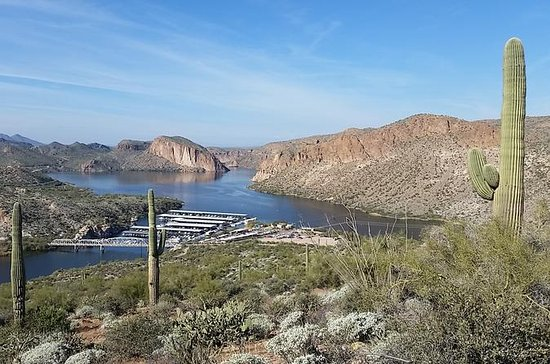 Apache Trail Tour: Superstition Mountains, Ghost Town, Cruise