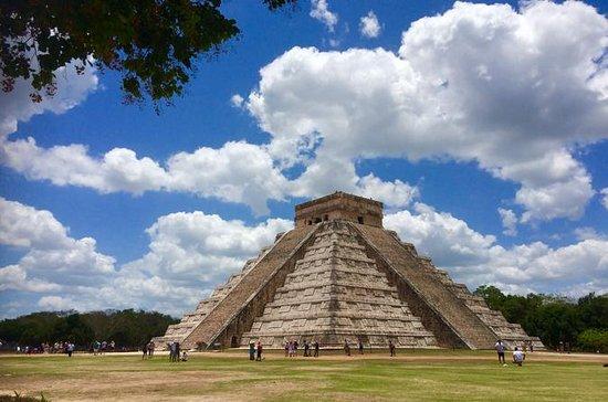 Chichen Itza Combo Tour with Cenote Swim and Lunch