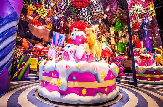 Kawaii Monster Cafe Robot Show with Lunch or Dinner