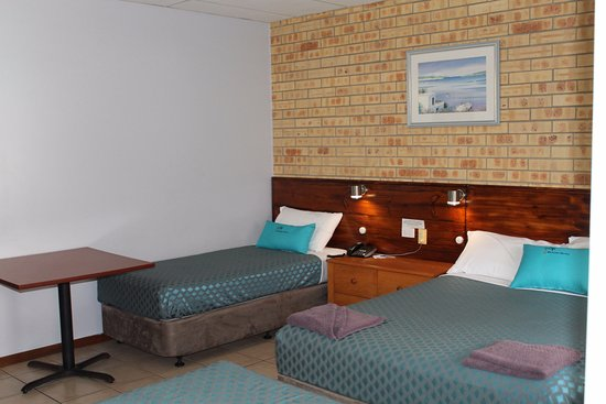 Matilda Motel: Another family room