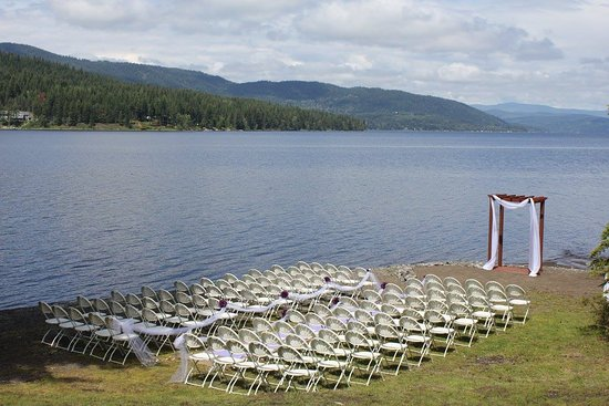 Canim Lake, แคนาดา: Our Ceremony right on the beach