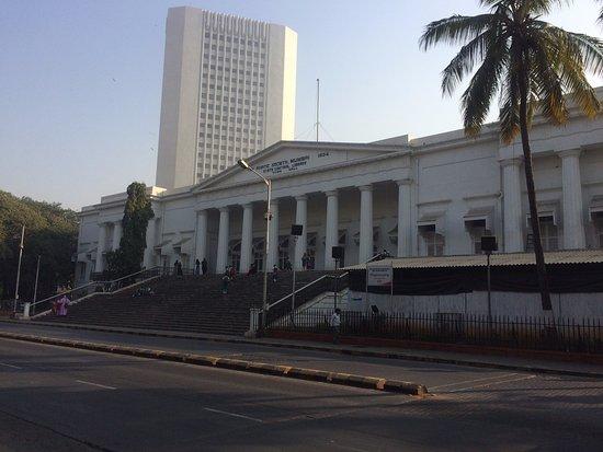 Raconteur Walks Mumbai: Asiatic Society (Town Hall)