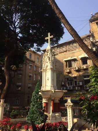 Raconteur Walks Mumbai: St Thomas Cathedral garden