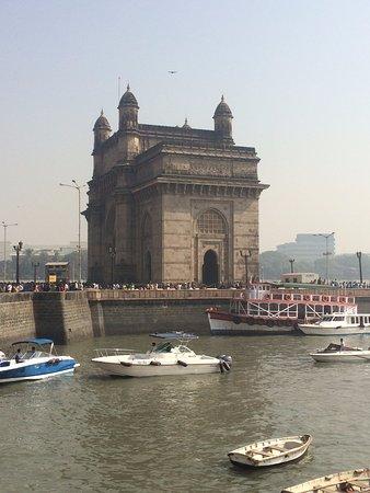Raconteur Tours Mumbai