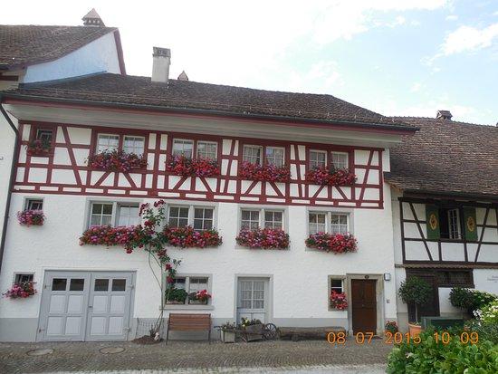 Regensberg, Suiza: A beautiful old village