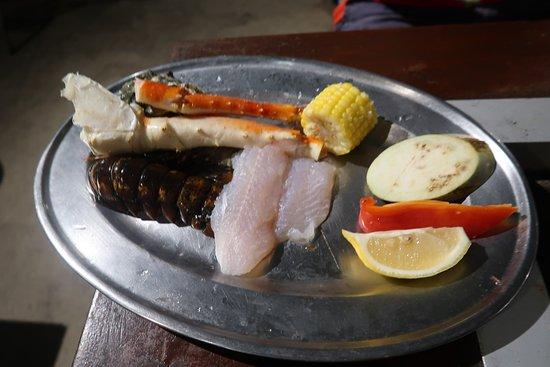 Sails BBQ: normal seafood set
