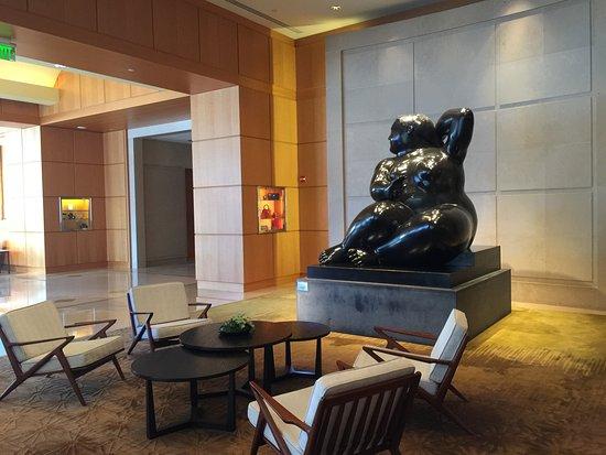 Four Seasons Hotel Miami: The hotel lobby