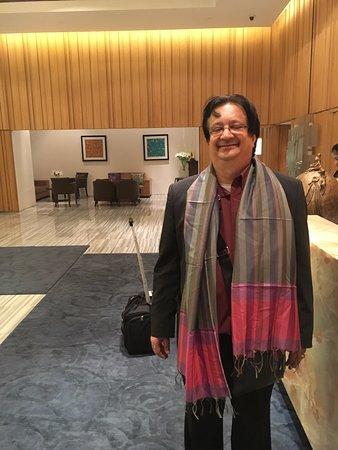 Holiday Inn New Delhi Mayur Vihar Noida: My scarf/shawl presented by Holiday Inn