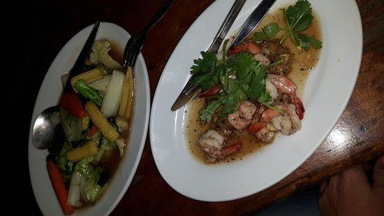 Kantiang Bay View Resort: Prima verblijf, lekker eten. Je krijgt helaas niet gezamelijk je eten. Spreken slecht engels.