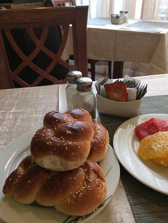 Hotel Prima Palace: Des photos des petits déjeuners dans cet Hôtel : fabuleux.