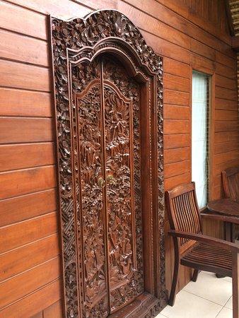 Beji Ubud Resort: Door from upstairs bedroom