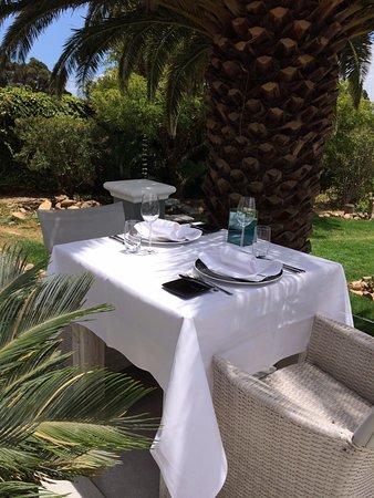 Gordon's Bay, แอฟริกาใต้: Dinner on the patio