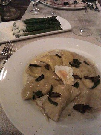 Casa Antinori: Ravioli with black truffle