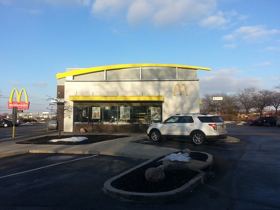 Loves Park, IL: front of McDonald's & drive-thru