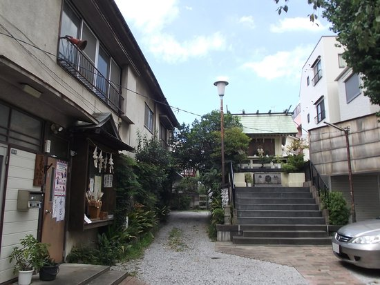 Sugamo Otori Shrine