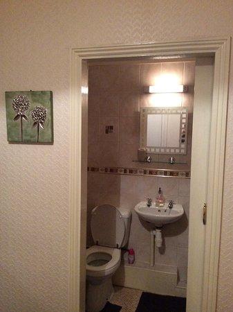 Barrow-in-Furness, UK: Ensuite bathroom